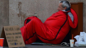 homeless-man-833017_960_720
