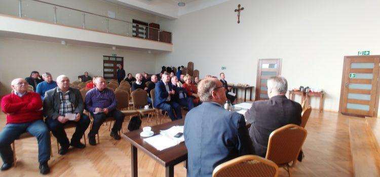 Spotkanie informacyjne z rolnikami z powiatu puckiego. Przestrzegano przez wirusem ASF 02