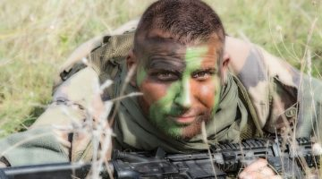 military-1442907_1280
